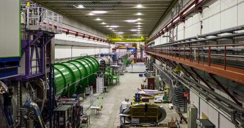 Σε πείραμα στο CERN οι επιστήμονες διακρίνουν σημάδια μια σπάνιας διάσπασης καονίου