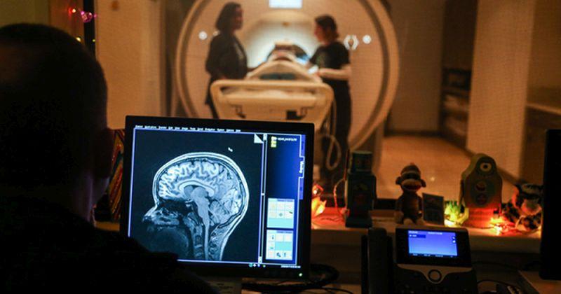 Μετά το μάθημα φυσικής νέες περιοχές του εγκεφάλου των σπουδαστών/τριών ενεργοποιήθηκαν – αποκαλύπτει μελέτη