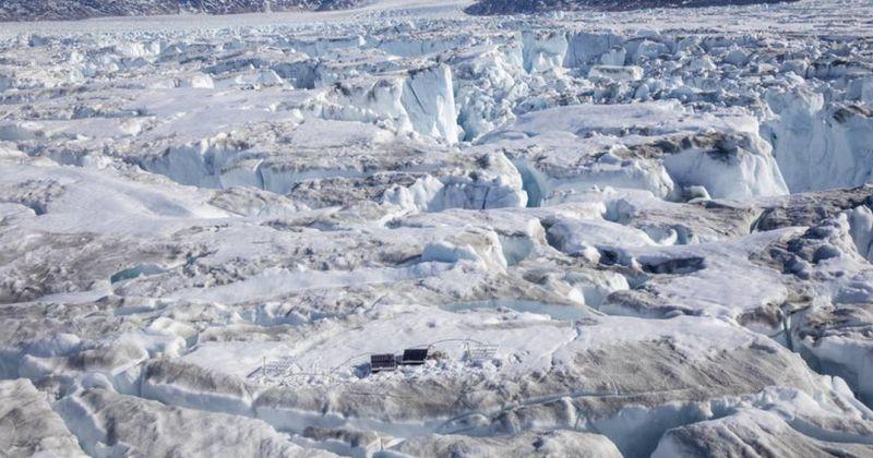 Η Γροιλανδία έχασε 2 δισεκατομμύρια τόνους πάγου αυτή την εβδομάδα – κάτι που είναι πολύ ασυνήθιστο