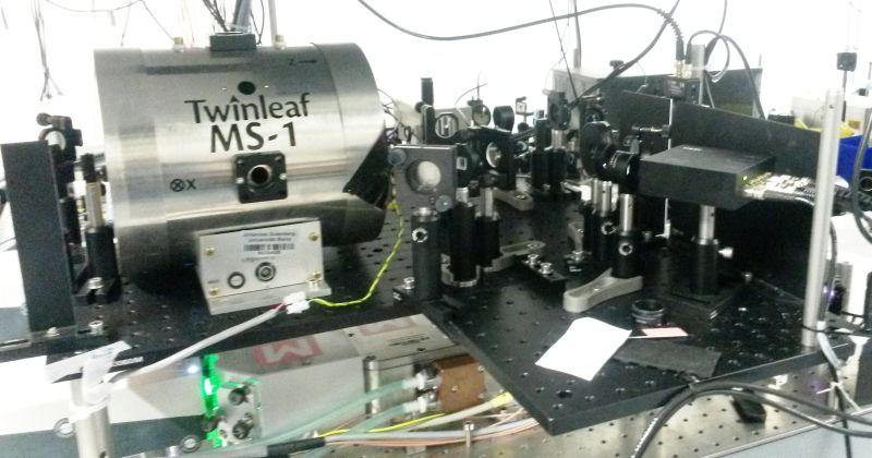 Σκοτεινή Ύλη: Πώς βοηθά ο ατμός του καισίου στην έρευνα για τη σκοτεινή ύλη
