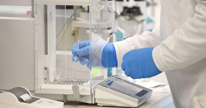 Αποτελεσματικότητα Εμβολίου Οξφόρδης: 70% και 90% σε ομάδα εθελοντών που έλαβε διαφορετική δοσολογία
