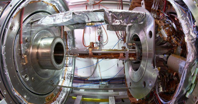 CERN: Το πείραμα AEgIS στο σωστό δρόμο για να ελέγξει την ελεύθερη πτώση της αντιύλης