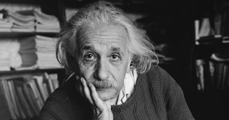 Η πιο γνωστή εξίσωση του Einstein – Η εμφάνισή της στο ιστορικό προσκήνιο